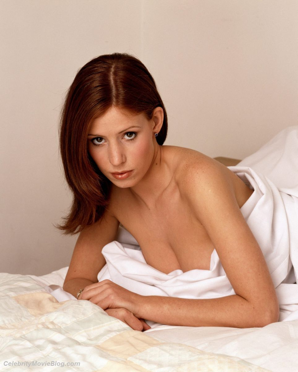 :: Largest Nude Celebrities Archive. Amy Nuttall fully naked! ::