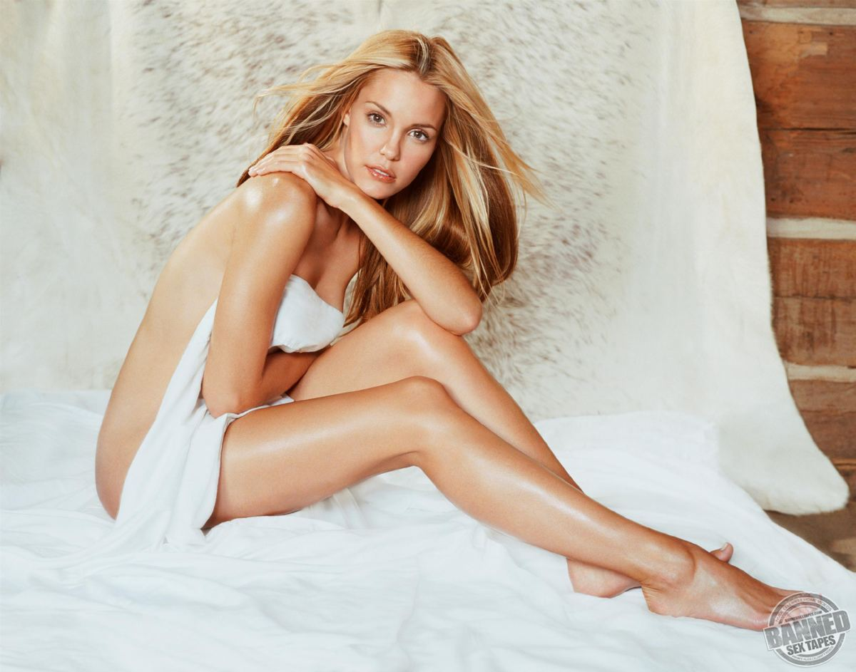 Leslie Bibb Nude Pics Naked Videos