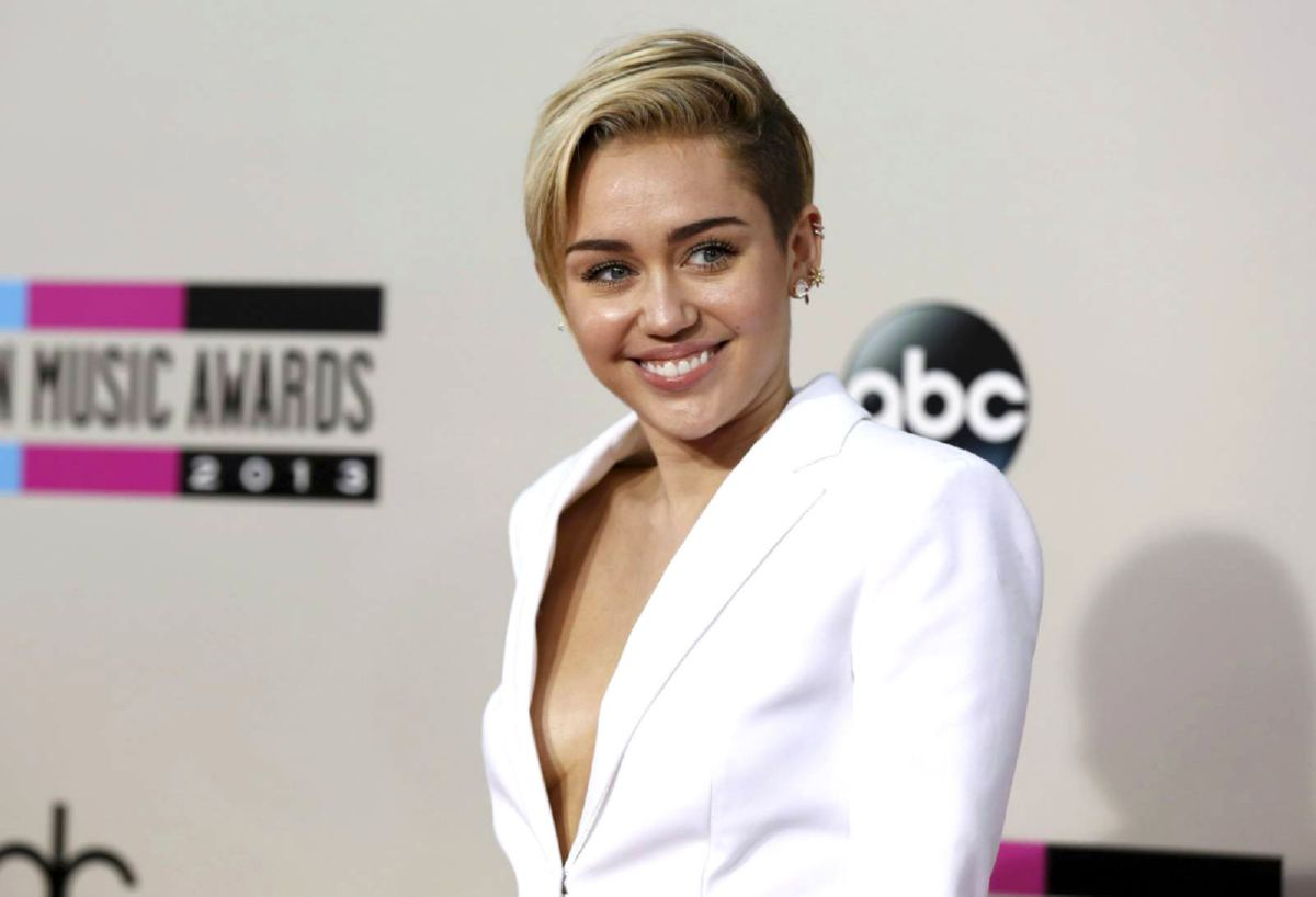 Miley Cyrus Naked Pics Celebrities For Free Nude And