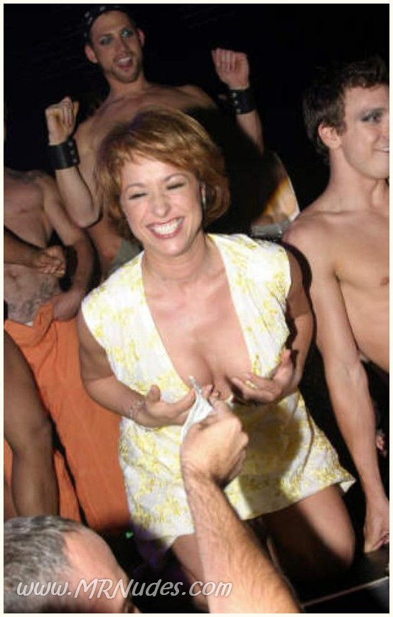 Free nude pics of paige davis