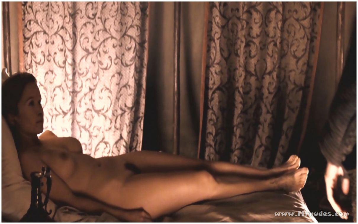 Nackt Chloé Stefani  Chloe Ferry
