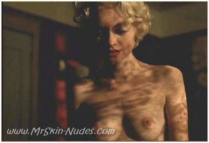 nude photo lindy Booth