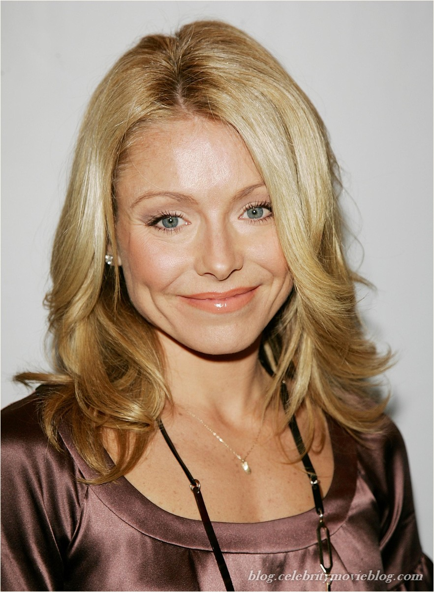 Kelly Ripa - nude celebrity toons @ Sinful Comics Free Membership